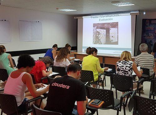 Presentamos en Estepona la guía de campo de DESIGN THINKING #SOCIALUP